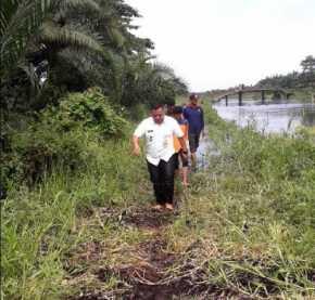Ternyata Lokasi Banjir di Kelurahan Sekip Hulu Ditunggu 4 Buaya dan Seekor Ular Piton Besar