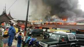 BREAKING NEWS: Pasar Atas Bukittinggi Terbakar