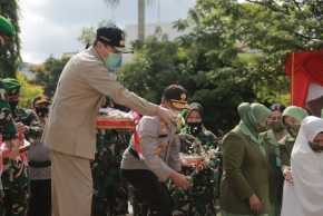 Gubri Taburkan Bunga Untuk Pahlawan Negara Pelda Anumerta Rama Wahyudi