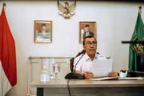 Gubernur Riau Berikan Santunan Keluarga Prajurit Korban Teroris Poso