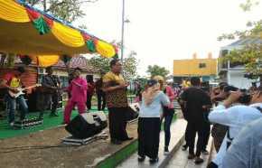 Bupati Inhil Sumbang Lagu di Parade Musik Galang Bantuan Korban Kebakaran Bekawan