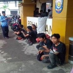 Satpol PP Pekanbaru Angkut 9 Anak Punk
