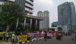 Demo Di Gedung KPK, Mahasiswa Bengkalis Desak Tetapkan Wakil Bupati Bengkalis Sebagai Tersangka