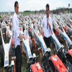 Tahun Ini, Pemerintah Bagi-bagi 62 Ribu Traktor Di Indonesia