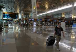 WNA Resmi Dilarang Masuk Indonesia Kecuali Enam Kategori Ini