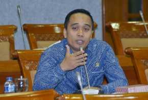 Legislator: Pemerintah Seharusnya Beri Jaminan tak Ada PHK