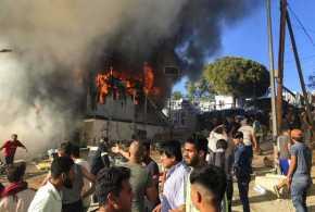 Bentrok dengan Polisi, Kamp Imigran Yunani Dibakar