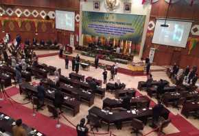 Mardianto Manan dan Zulkifli Indra Resmi Dilantik Sebagai Anggota DPRD