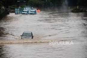 Banjir Jakarta, DPR Singgung Vila Liar di Puncak Milik Pembesar