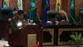 Paripurna Penyampaian Rekomendasi Pansus LKPJ Gubri, Dewan Ingatkan Riau Tingkatkan PAD