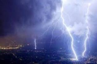 BMKG : November Hujan Disertai Petir