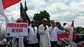 Demo 4 November di Pekanbaru Berjalan Tertib, Diakhiri Doa Bersama Polisi