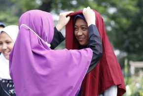 Perintah Menutup Aurat Bukti Islam Muliakan Wanita