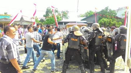 Penandatanganan Nota Kesepahaman Tentang Pilkada Kampar 2017 Damai