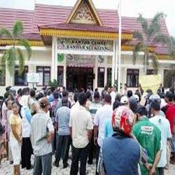 Kepala Desa Lubuk Ogung Ditahan Polda