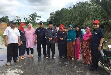 Balon Wagubri 2018, Zulher Tinjau Banjir di Kabupaten Kampar