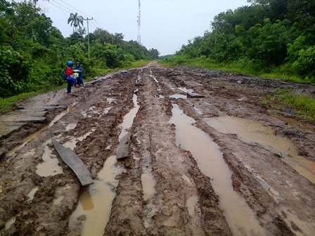 Perusahaan Sawit Kuansing Diminta Aktif Lakukan Perbaikan Infrastruktur Jalan