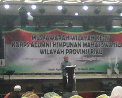 Buka Muswil KAHMI Riau, Plt Gubri Singgung Pendatang Sebabkan Karlahut