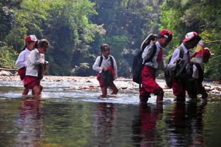 Kisah Pengabdian Guru di Belantara Bukit Rimbang Baling Kabupaten Kampar, Riau.
