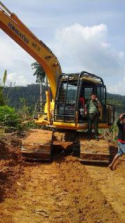 Dinas Kehutanan Kampar Tangkap Satu Unit Exskapator Diduga Milik Kerabat Jefry Noer