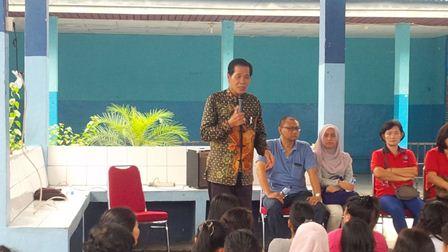 Ustadz Mantan Preman Anton Medan Sambangi Lapas Perempuan Anak Pekanbaru