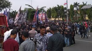 Ratusan Suporter PSPS Riau