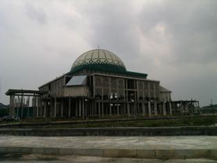 Yuk Sobat, Mampir Shalat di Masjid Raya Al-Jami'ah UIN SUSKA Riau Kampus Panam