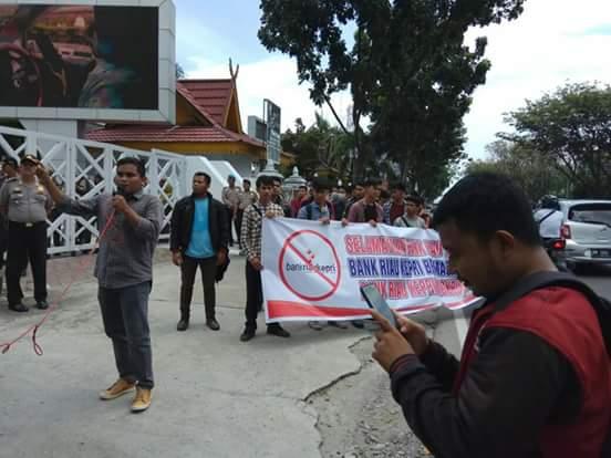 Bank Riaukepri Kembali Didemo Mahasiswa di Pekanbaru