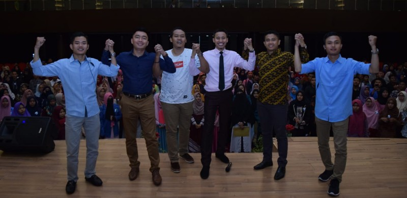 Hadir di Pekanbaru, Mr. Syafii Motivasi Ratusan Mahasiswa
