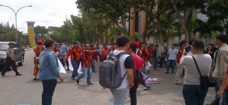 Nyaris Bentrok, Mahasiswa Vs Pemuda Pancasila Riau