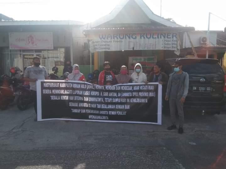 Gelar Diskusi dan Dialog Interaktif, Masyarakat Rohul Minta Petinggi Golkar Tertibkan Sari Antoni