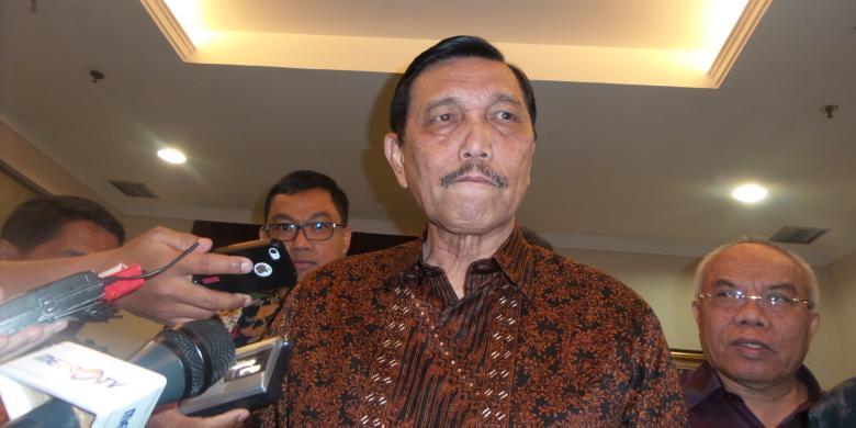 Luhut Ingatkan Masyarakat Tak Buat Meme yang Lecehkan Jokowi