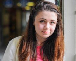 Berkat Tindik Telinga, Nyawa Gadis Ini Terselamatkan dari Kanker