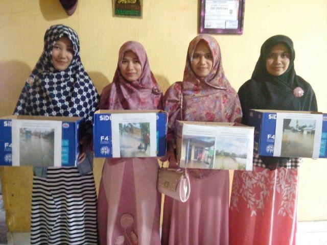 Aktivis HIPEMARIS Lakukan Penggalangan Dana Untuk Korban Banjir di Kampar
