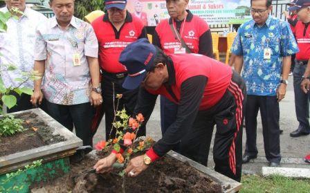 Bupati Inhil Ikuti Baksos Tanam Pohon Dalam Rangka Jumbara Palang Merah Remaja /PMR/