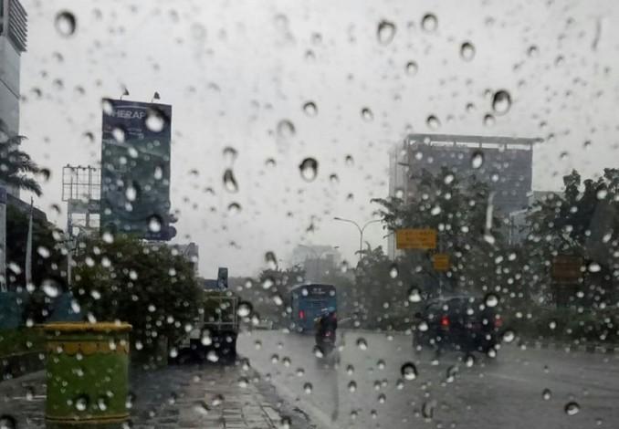 BMKG:Hujan Disertai Petir akan Mengguyur Sebagian Wilayah Riau