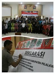 Bersama  Masyarakat, Polres Pelalawan Deklarasikan Anti Hoax