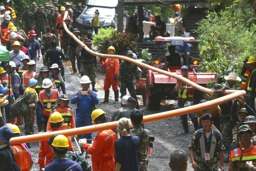 Penyelam Tewas dalam Proses Evakuasi Tim Junior Thailand
