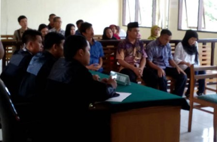 Hakim Menuntut Mantan Sekretaris DKPP Rohil Delapan Tahun Penjara