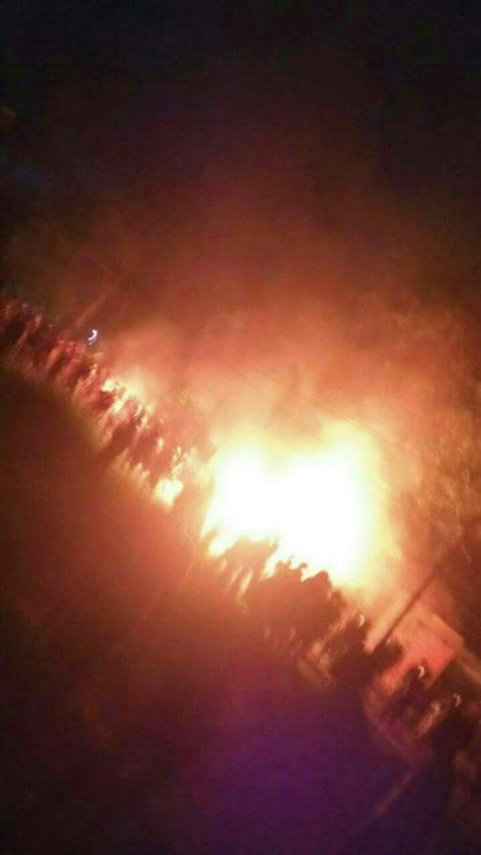 Polisi Mulai Masuki Kampus Universitas Riau Saat Api Berkobar