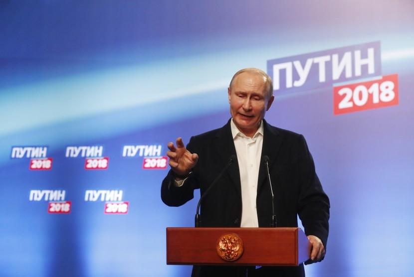 Menang Pemilu, Vladimir  Putin Tak Ingin Bersaing Militer