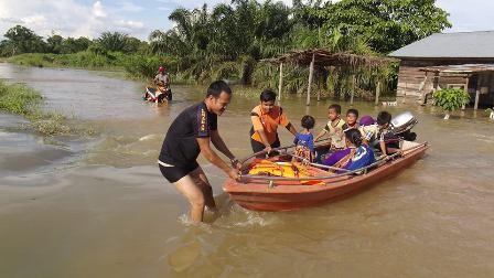 Sungai Meluap, Puluhan KK Di Rohul Terendam Banjir