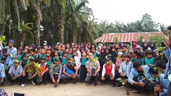 BEM Universitas Riau Adakan Kegiatan Mengabdi untuk Pendidikan di SDN 038 Balam Sakti, Rokan Hilir