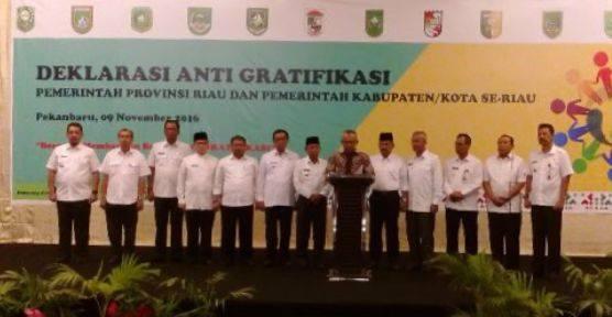 12 Wako-Bupati se-Riau Lakukan Deklarasi Anti Korupsi