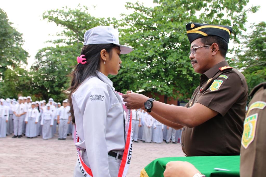 Kajati Riau dan 12 Kajari se Riau Serentak Bertindak Selaku Irup disekolah Menengah
