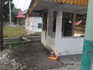 Pos Jaga Satpol PP Pekanbaru  Dilempari Bom Molotov