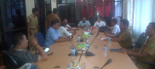 DPRD Inhu Dan Inhil Gelar Rapat Bahas Pembangunan Jalan  Kabupaten