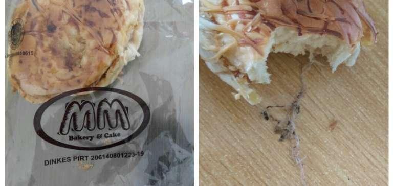 Warga Bengkalis Temukan Gulungan Benang Kotor di Bungkus Roti MM