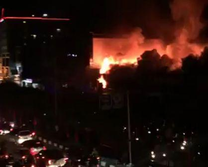 Delapan Petak Ruko di Pusat Kota Dumai Hangus Terbakar