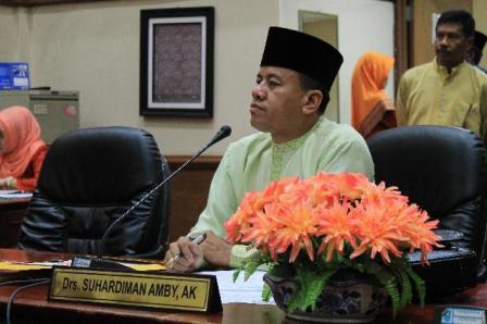 DPRD Riau Minta Kepala Sekolah SMAN 1 Siak Hulu Dinonaktifkan Guna Mempermudah Proses Hukum